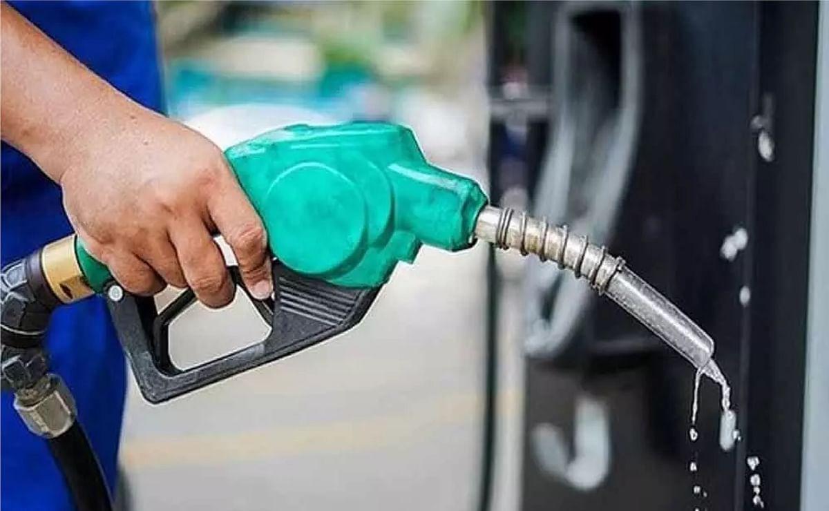 पेट्रोल - डीजल के रेट तीसरे दिन भी स्थिर, पढ़ें आपके शहर में क्या है कीमत