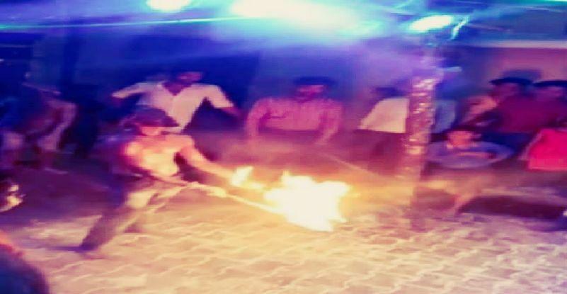 UP : जन्माष्टमी के दौरान मुंह में पेट्रोल भरकर करतब दिखाना पड़ा मंहगा, 5 बच्चे समेत आठ झुलसे