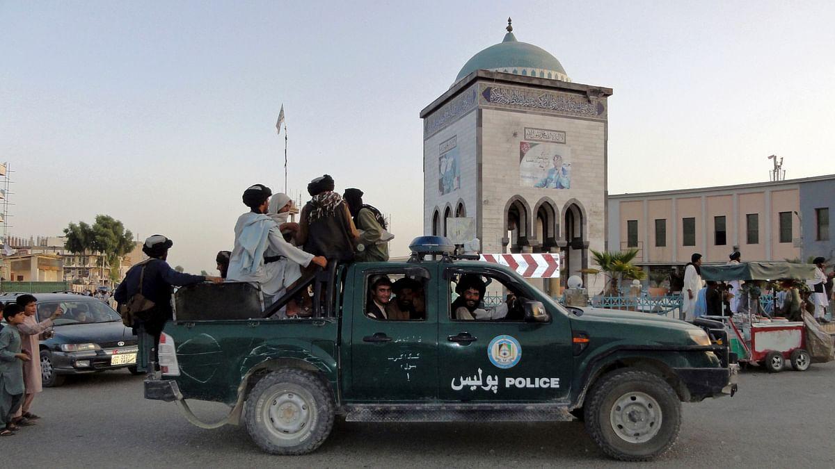 विस्फोट के बाद अब काबुल एयरपोर्ट के एंट्री गेट पर चली गोलियां, कई राउंड की फायरिंग से लोगों में दहशत