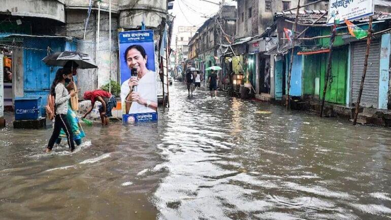PM मोदी के कारण 'बाढ़', केंद्र सरकार को ममता बनर्जी की चिट्ठी- 'राज्य में मैन मेड जलप्रलय, DVC जिम्मेदार'