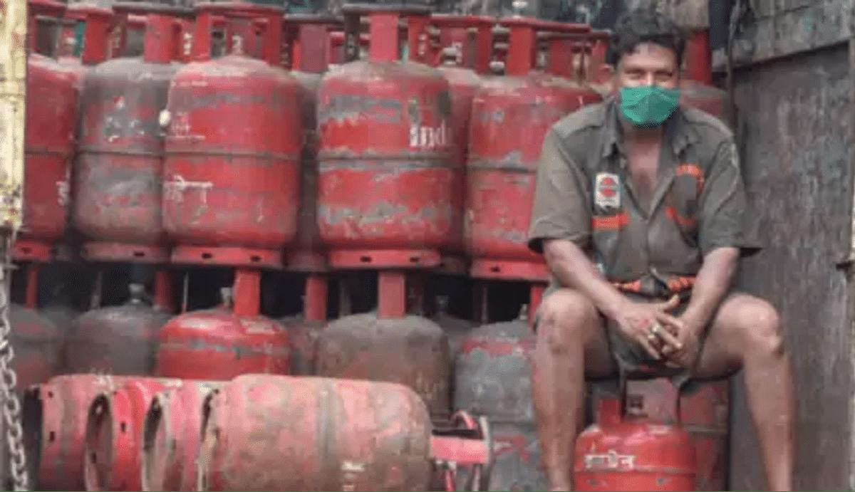 15 अगस्त से पहले प्रवासी मजदूरों को बड़ा तोहफा देगी मोदी सरकार, LPG सिलेंडर के साथ चूल्हा फ्री, जानें कैसे?