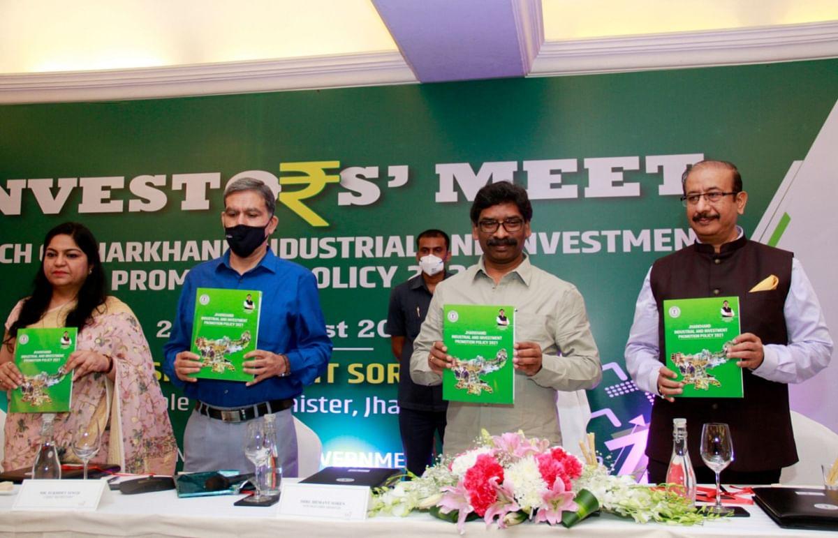 दिल्ली इंवेस्टर्स मीट : झारखंड में 10,000 करोड़ निवेश से करीब 1.5 लाख रोजगार, निवेशकों से क्या बोले सीएम हेमंत