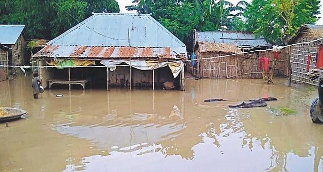 Bihar Flood Photos: गंगा-कोसी में ऊफान से बिगड़े हालात, देखें भागलपुर व आस-पास के जिलों की भयावह तसवीर