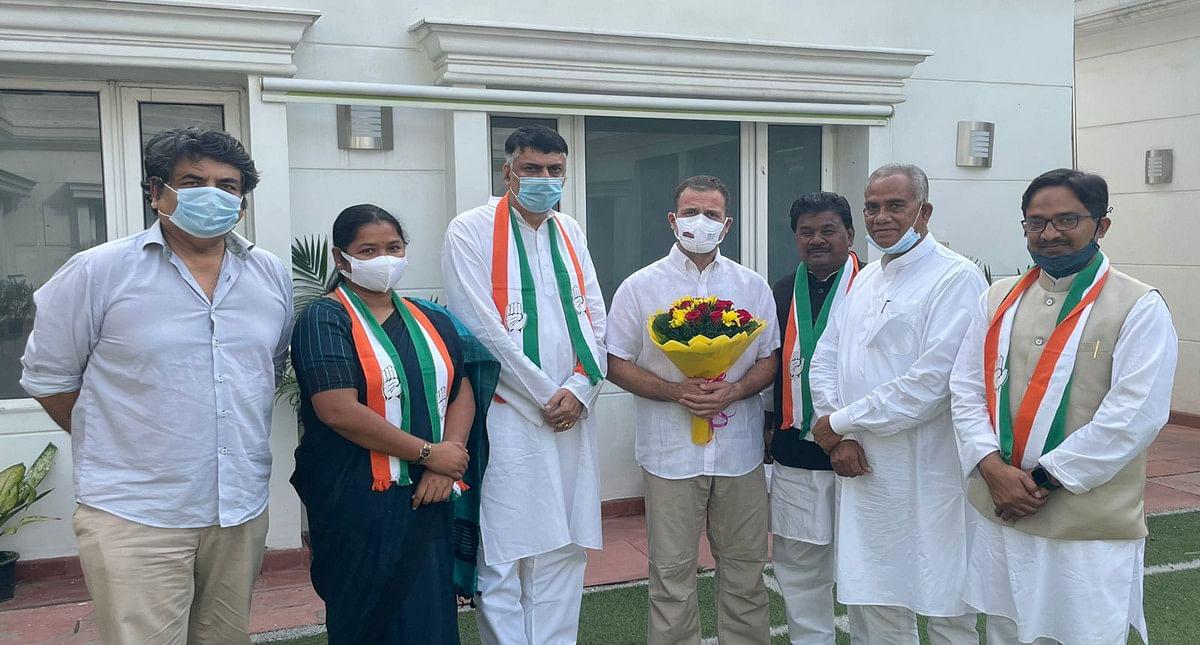 नई दिल्ली में राहुल गांधी और CM हेमंत सोरेन से मिली झारखंड प्रदेश कांग्रेस की नयी टीम