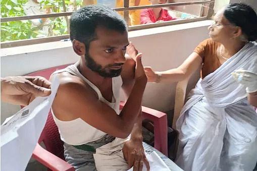 Bihar News: 2 सेकंड के अंतराल पर बेगूसराय के युवक को 2 बार लगा दी वैक्सीन, फिर जानिए क्या हुआ