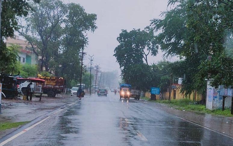 Weather Forecast : झारखंड में कब तक सक्रिय रहेगा Monsoon, Sawan की अंतिम सोमवारी को आज कहां होगी भारी बारिश