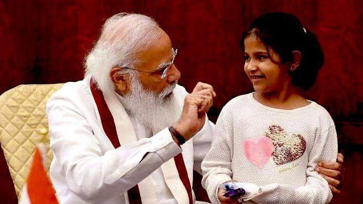 नन्ही अनीशा के इस सवाल पर ठहाके मारकर हंस पड़े पीएम मोदी, जानें 10 साल की बच्ची ने पीएम से और क्या पूछे सवाल
