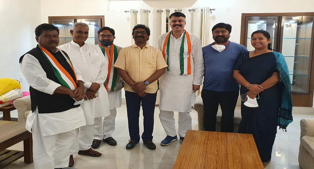 नई दिल्ली में JPCC की नयी टीम झारखंड सीएम हेमंत सोरेन से की मुलाकात.