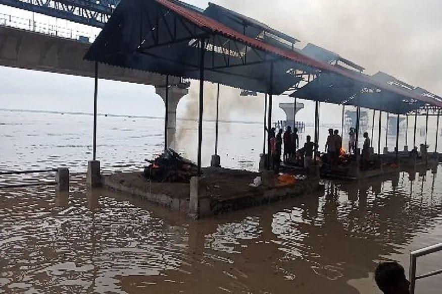 7 तस्वीरों में देखिए पटना में गंगा के रौद्र रूप: श्मशान में घुसा पानी,दियारा के लोगों ने पटना में लिया शरण