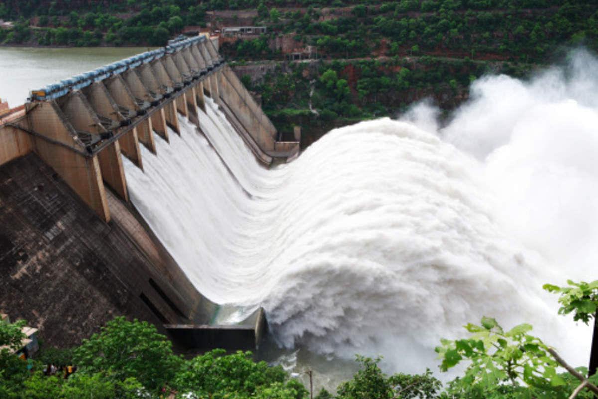 सुप्रीम कोर्ट की रोक के बावजूद उत्तराखंड में 7 पनबिजली परियोजनाओं को मंजूरी, बाढ़ में हुई थी 5000 की मौत