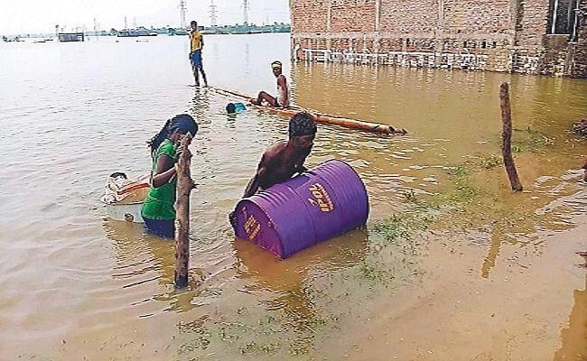 Bihar Flood: 2016 के बाढ़ का टूटा रिकॉर्ड, उफनाई गंगा से भागलपुर, मुंगेर, लखीसराय व खगड़िया में भयावह हालात