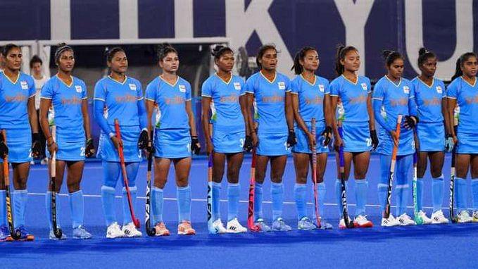 Tokyo Olympics: भारतीय महिला हॉकी टीम और ऑस्ट्रेलिया के बीच मुकाबला शुरू