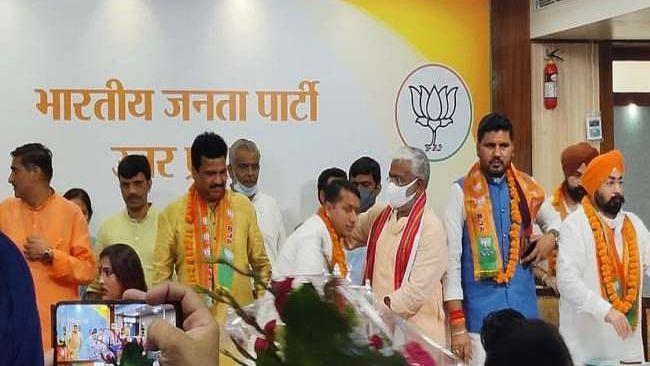 यूपी चुनाव से पहले बसपा नेता अजीत बालियान भाजपा में शामिल, मायावती को होगा नुकसान?