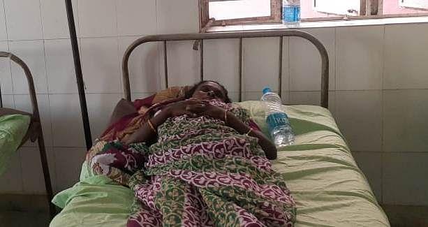 झारखंड के दुमका में एएनएम ने महिला को 2 बार लगा दी कोरोना वैक्सीन, हालत बिगड़ने पर कराया अस्पताल में भर्ती
