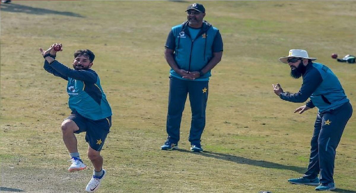 T20 World Cup टीम की घोषणा के तुरंत बाद पाक क्रिकेट टीम में भूचाल, चीफ कोच मिस्बाह और वकार यूनिस का इस्तीफा