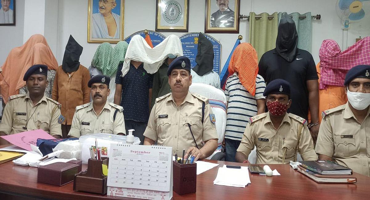 पीएनबी लॉकर कांड में बैंक मैनेजर समेत 13 लोग गिरफ्तार, पुलिस ने बरामद किया 1 किलो 395 ग्राम सोना