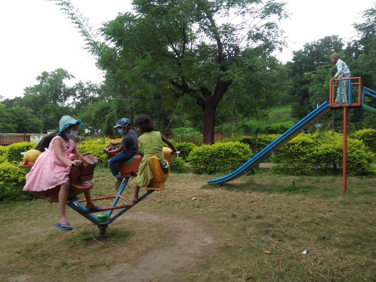 Jharkhand News : सरकारी जमीन से अतिक्रमण हटाकर बनाया चिल्ड्रेन पार्क, ये हैं सुविधाएं
