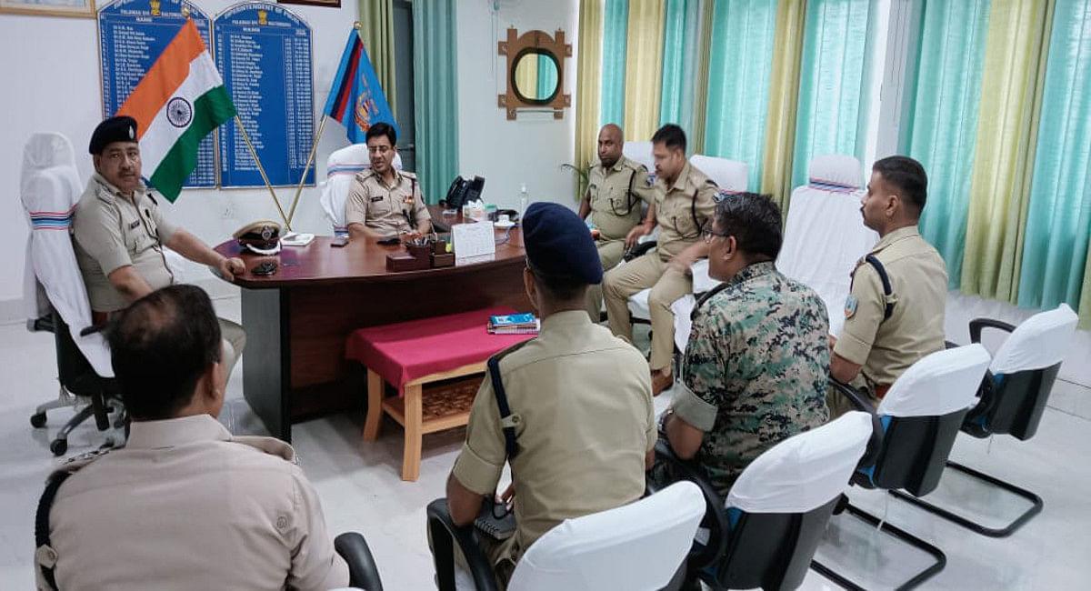 Jharkhand News : पंचायत चुनाव में अवैध शराब सप्लाई पर झारखंड- बिहार पुलिस की रहेगी पैनी नजर