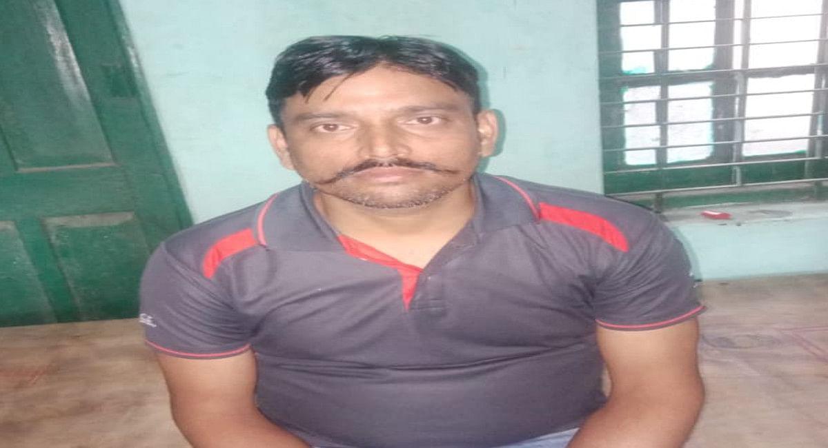 हजारीबाग में पत्नी की हत्या कर 152 किलोमीटर दूर बिहार के औरंगाबाद में शव को फेंका, पति गिरफ्तार