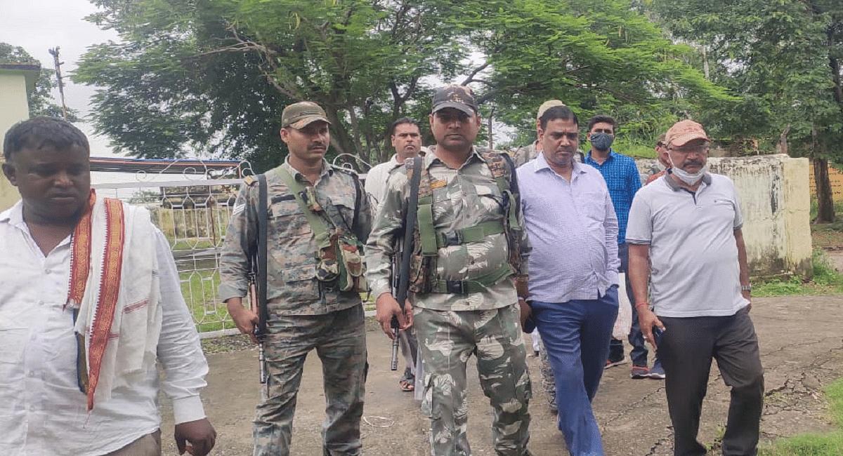 झारखंड के रामगढ़ से मांडू बीडीओ विनय कुमार 45 हजार घूस लेते गिरफ्तार, एसीबी की टीम ने ऐसे दबोचा
