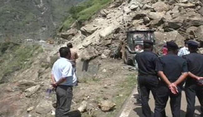 हिमाचल प्रदेश में फिर लैंड स्लाइड, टला बड़ा हादसा, नेशनल हाईवे पर यातायात प्रभावित
