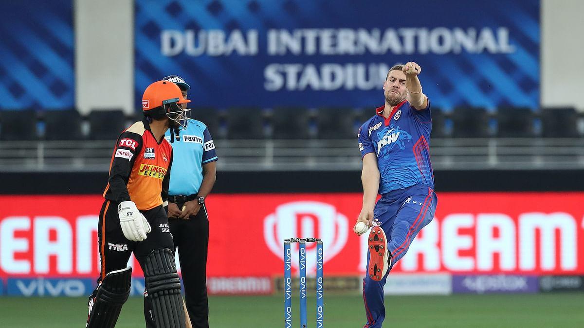 दिल्ली के इस बॉलर ने IPL 2021 की फेंकी सबसे तेज गेंद, रॉकेट की रफ्तार की गेंद देख सन्न रह गए फैंस
