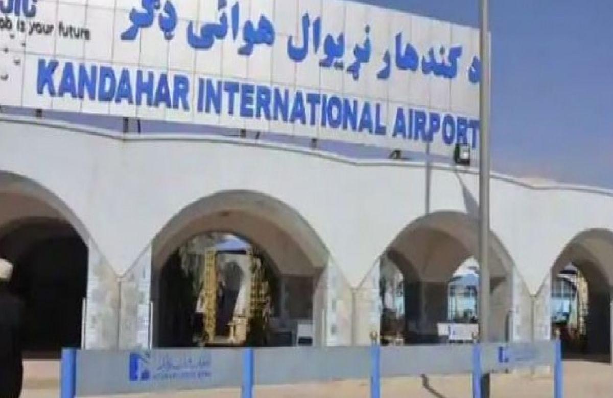 लंबे समय के बाद काबुल में उतरा यात्री विमान, पाकिस्तान ने चली रणनीतिक चाल