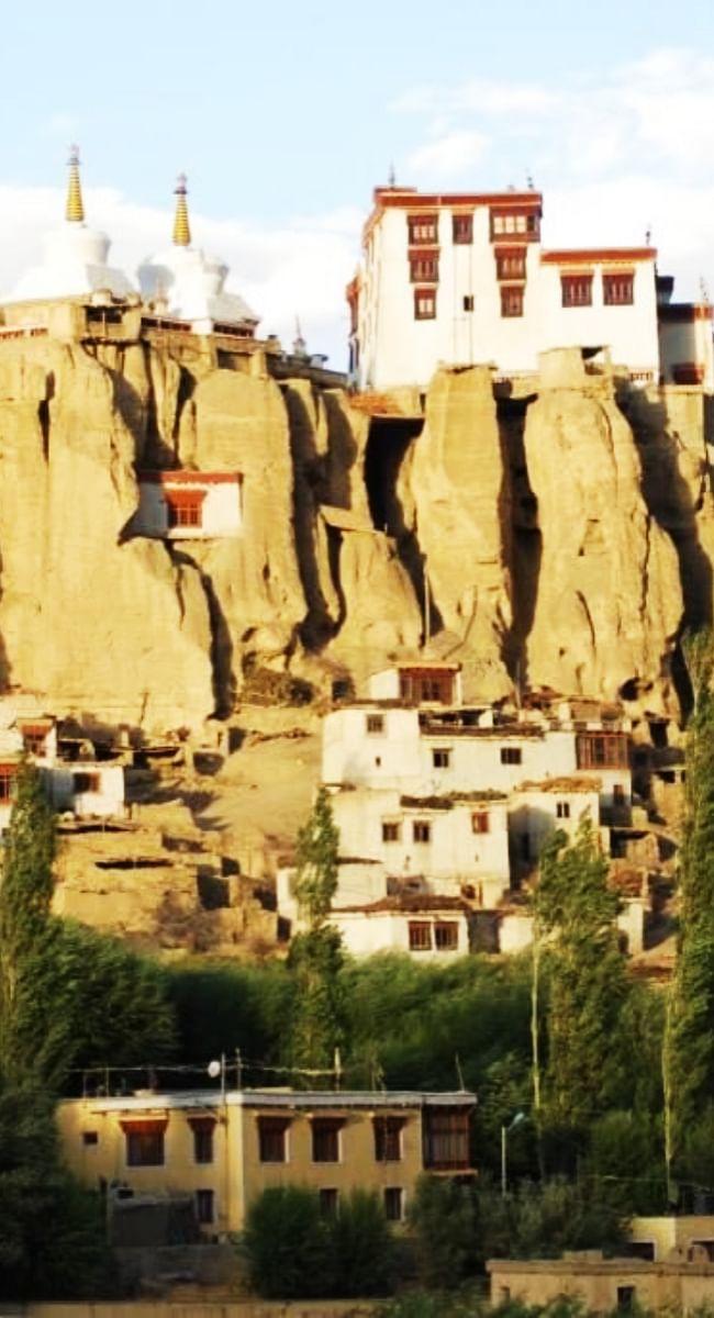 लद्दाख के नागरिकों को फिर मिलेगा स्थायी निवासी प्रमाणपत्र, केवल स्थायी निवासियों को मिलेगी सरकारी नौकरी
