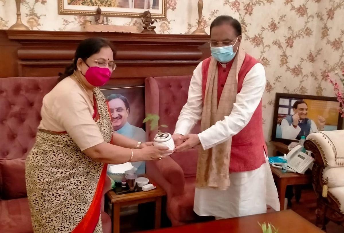 यूपी में दलितों को भाजपा के साथ लाने की कोशिश,  बेबी रानी मौर्य संभाल सकती हैं कमान,राज्यपाल के पद से इस्तीफा