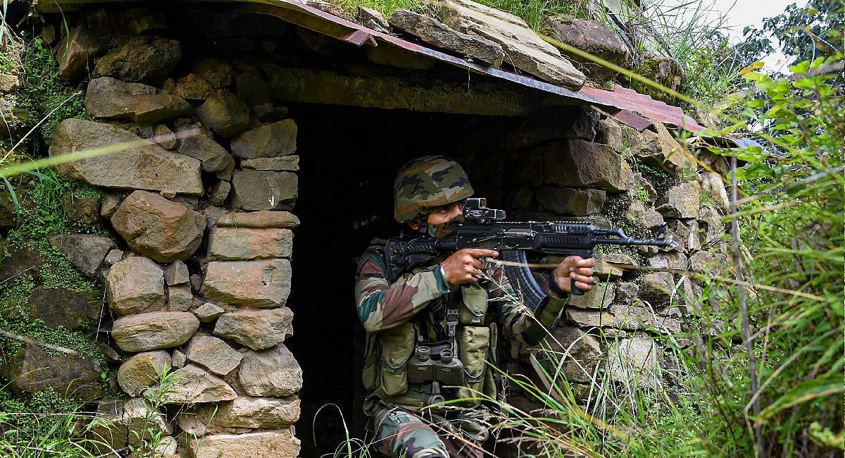 Jammu Kashmir Encounter: जम्मू-कश्मीर के शोपियां जिले में मुठभेड़,एक आतंकवादी ढेर, सरेंडर का दिया गया था मौका
