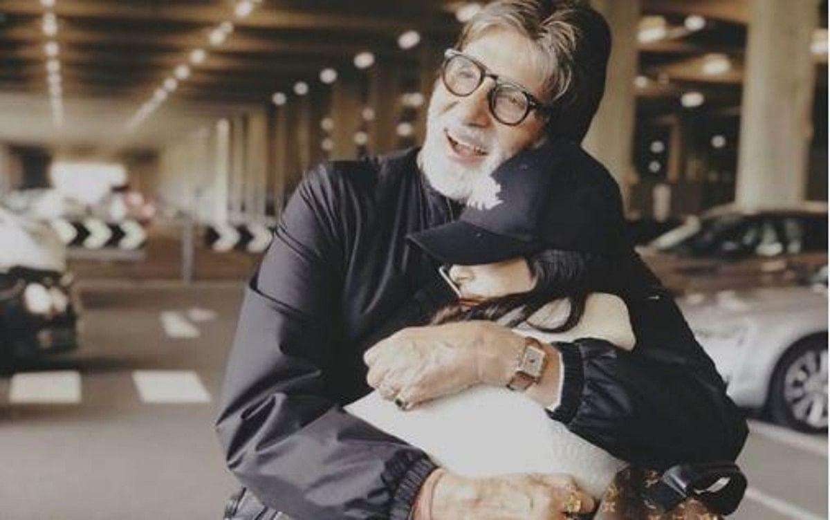 गजब का पियानो बजाती है अमिताभ की नातिन नव्या नंदा, अमिताभ बच्चन ने वीडियो शेयर कर कही ये बात