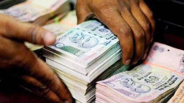 UP News: आगरा में एक बाइक मैकेनिक रातों-रात बना करोड़पति, जानिए कहां से आया इतना पैसा