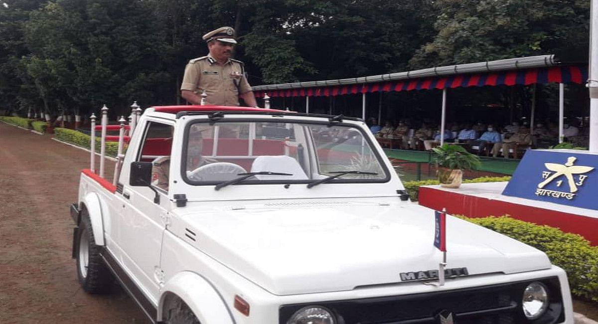 रांची के जैप-1 ग्राउंड में बिहार-झारखंड के 1987 बैच के IPS ऑफिसर एमवी राव को दी गयी विदाई.