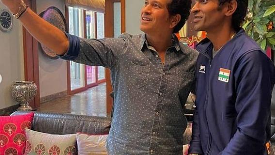 Paralympic 2020: गोल्ड मेडलिस्ट प्रमोद भगत की सफलता के पीछे 'क्रिकेट के भगवान' का हाथ, देखें यादगार तसवीरें