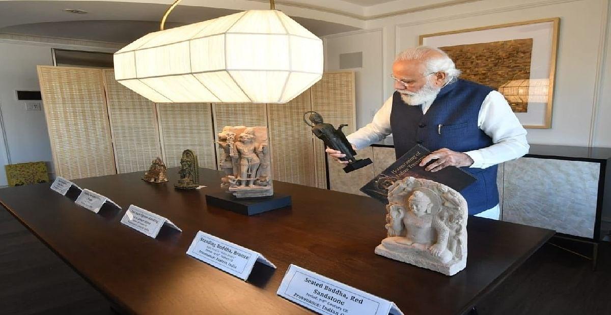 प्रधानमंत्री के साथ भारत से चोरी हुई 157 कलाकृतियां की भी हुई वापसी