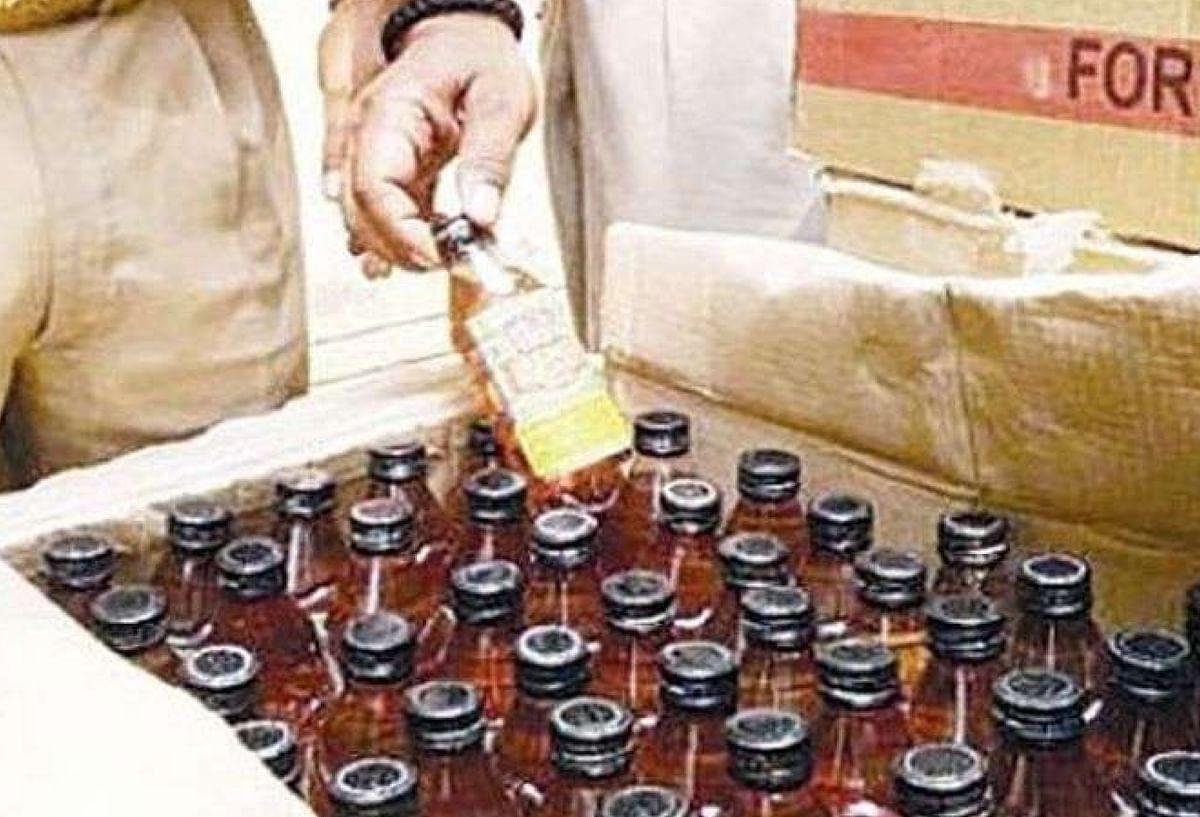 दिल्ली में शराब बेचने की नयी सोच,प्राइवेट ठेकों पर नहीं मिलेगी शराब, बड़े रेस्तरां और बार में अभी से किल्लत