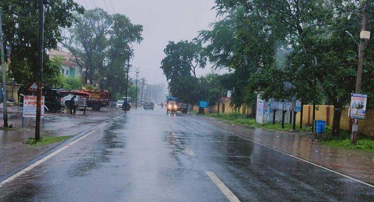 Jharkhand Weather Forecast : झारखंड में भारी बारिश के आसार, रांची में झमाझम बारिश, ये है पूर्वानुमान