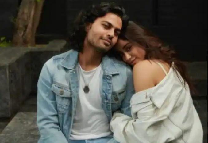 Janhvi Kapoor ने इस शख्स को बर्थडे विश करते हुए शेयर की ये खूबसूरत तसवीर, कभी उड़ी थी डेटिंग की अफवाह