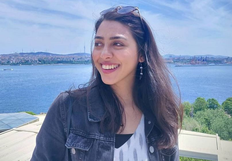 Taarak Mehta Ka Ooltah Chashmah : जानें अब क्या कर रही हैं 'सोनू भिड़े'? ग्लैमरस तसवीरों से करती हैं हैरान