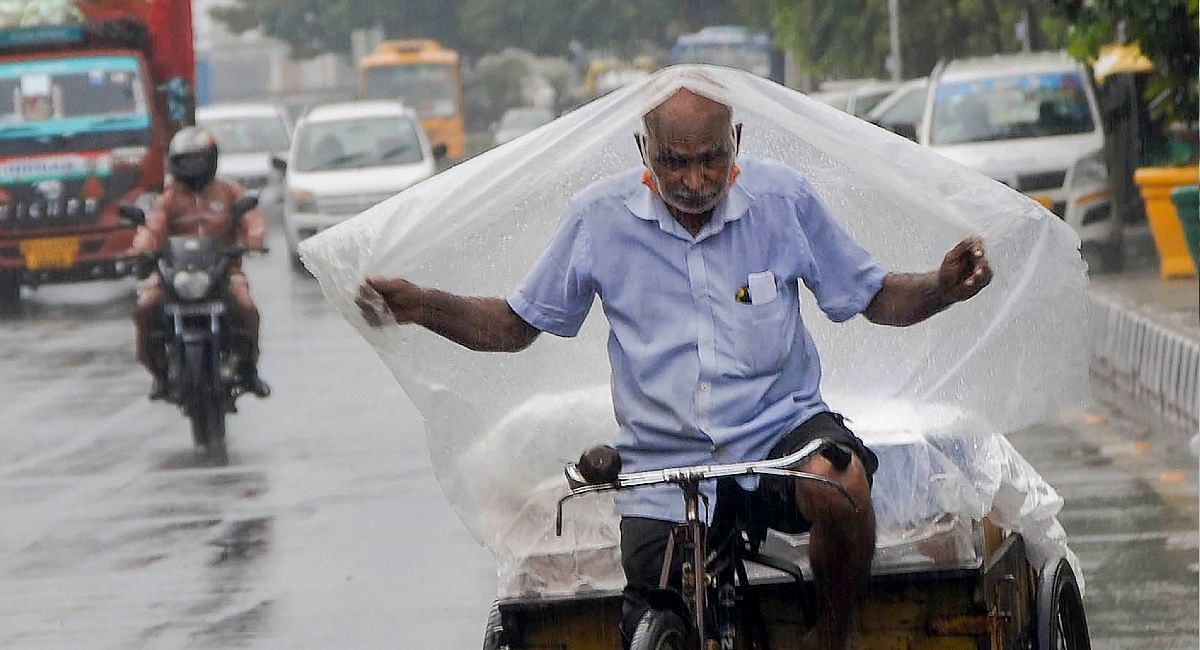 Weather Updates: चक्रवाती तूफान 'शाहीन' का खतरा, झारखंड में 3 की मौत, बिहार में अलर्ट, जानें मौसम का हाल