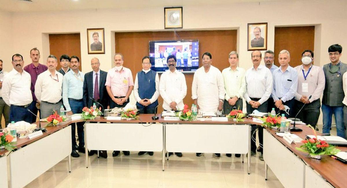Jharkhand News : CM हेमंत सोरेन बोले- राज्य के पास सीमित संसाधन, चुनौतियों से निपटने के लिए केंद्र करे सहयोग