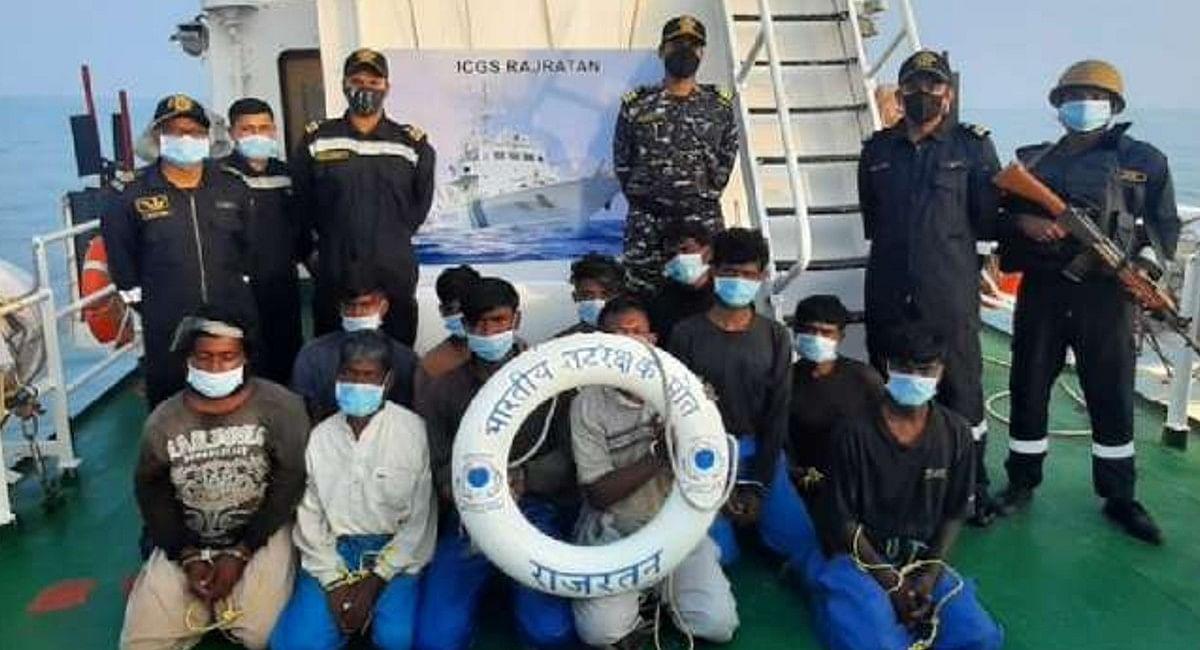 26/11 की तरह फिर भारत को दहलाने की थी साजिश! गुजरात के मथुरा जल सीमा से 13 पाकिस्तानी पकड़ाये