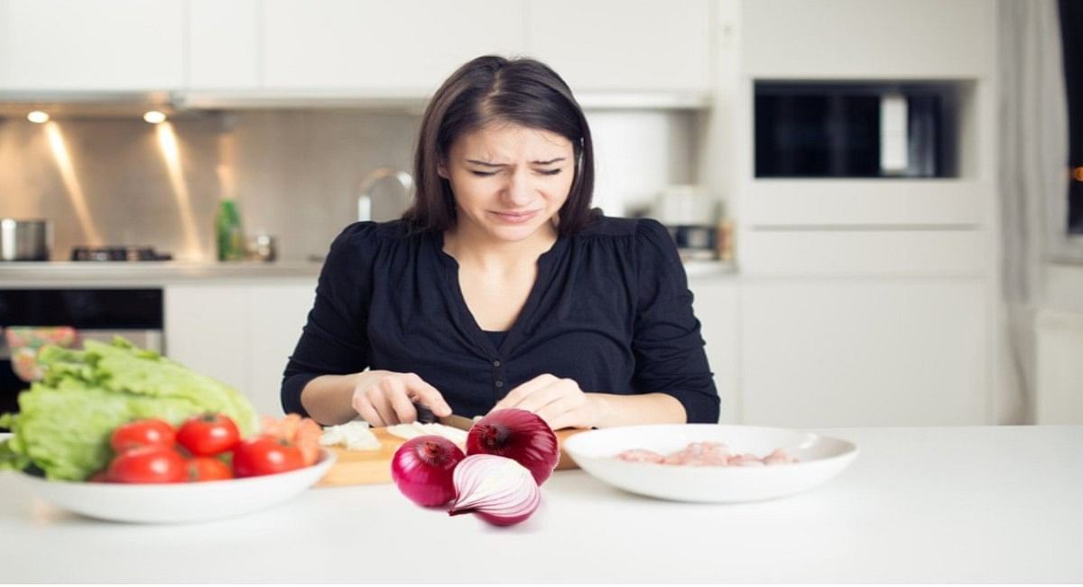How to cut onion without tears