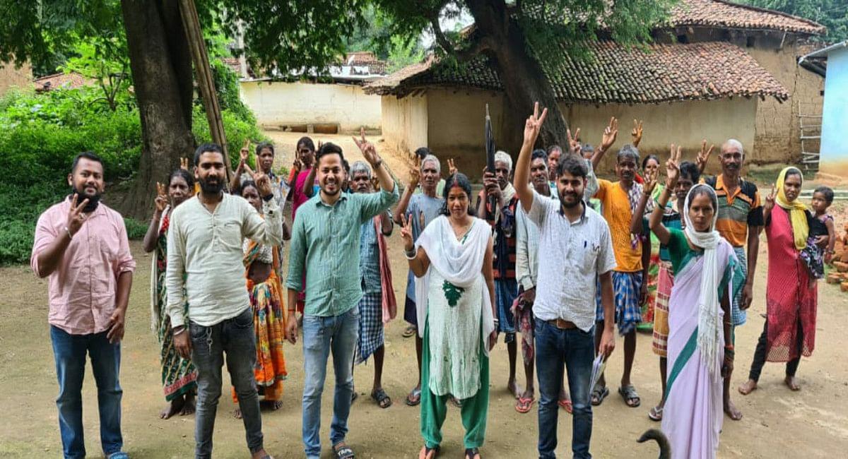 Coronavaccination Update News : गुमला के 5 गांव में 100% हुआ वैक्सीनेशन का फर्स्ट डोज, जागरूकता का दिखा असर