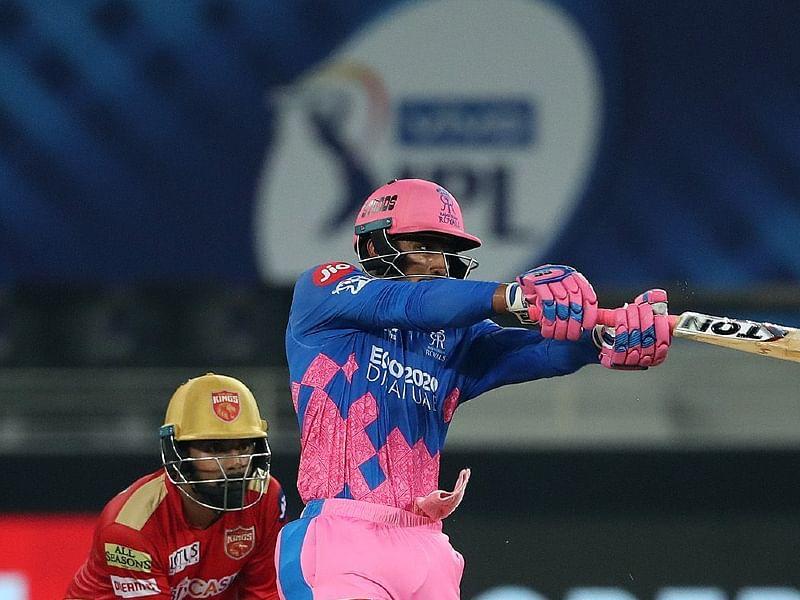 IPL 2021: भारत के 'क्रिस गेल' राजस्थान के महिपाल को दादी ने कपड़ा धोने वाले बल्ले से बनाया विस्फोटक बल्लेबाज