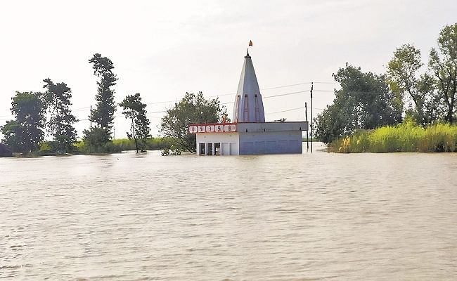 बागमती नदी ने लिया रौद्र रूप, अब दरभंगा के पूर्वी भाग में फैलने लगा पानी