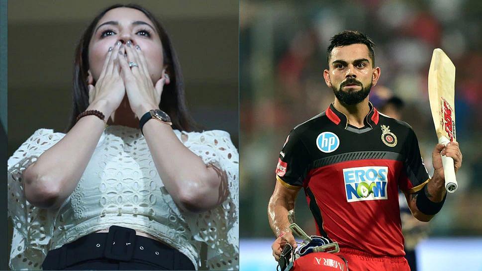 दुबई में अनुष्का शर्मा ने विराट को यूं किया फ्लाइंग KISS, धोनी की टीम के खिलाफ कोहली का ऐसे बढ़ाया हौसला