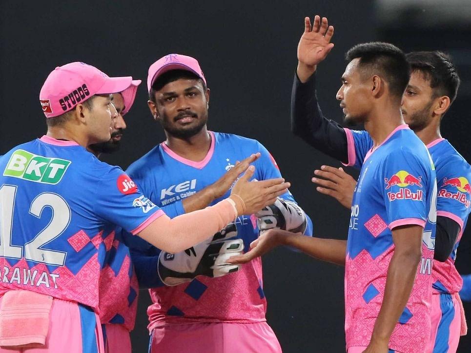 IPL 2021: राजस्थान की बढ़ गयी टेंशन, रिप्लेसमेंट में आए 'सिक्सर किंग' एविन लुईस हुए चोटिल