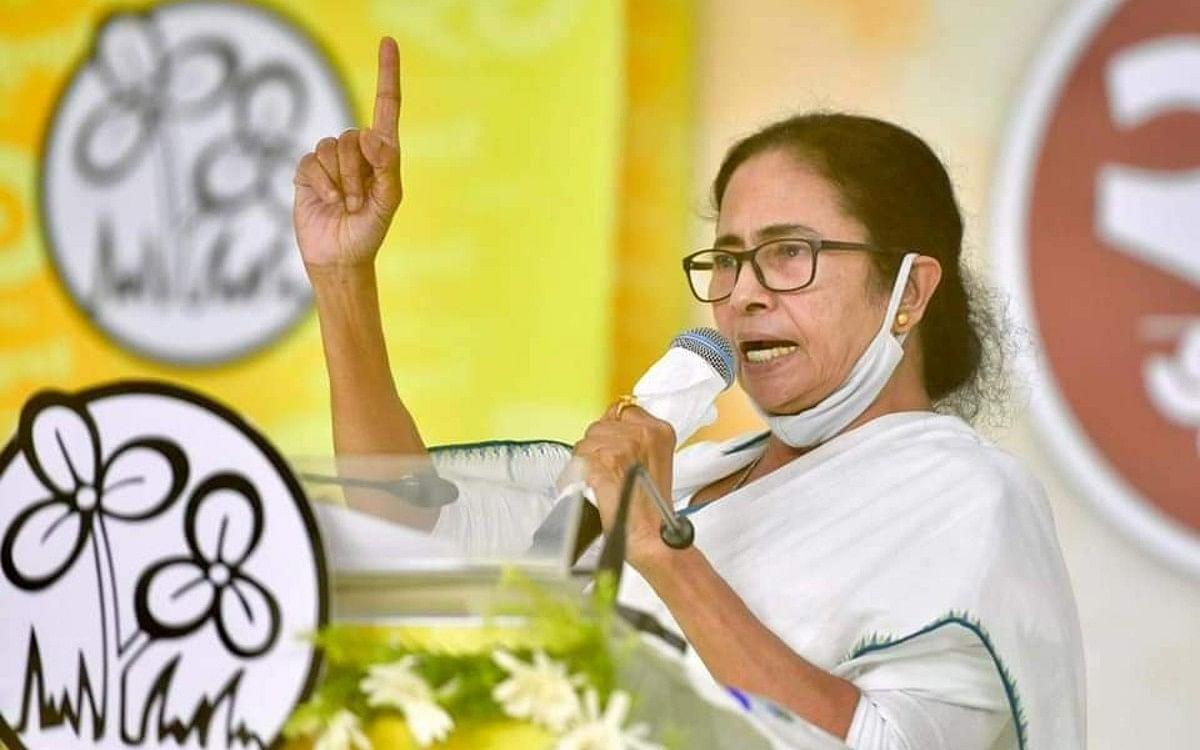 फिर खतरे में ममता बनर्जी की कुर्सी! चुनाव आयोग को कलकत्ता हाइकोर्ट का नोटिस