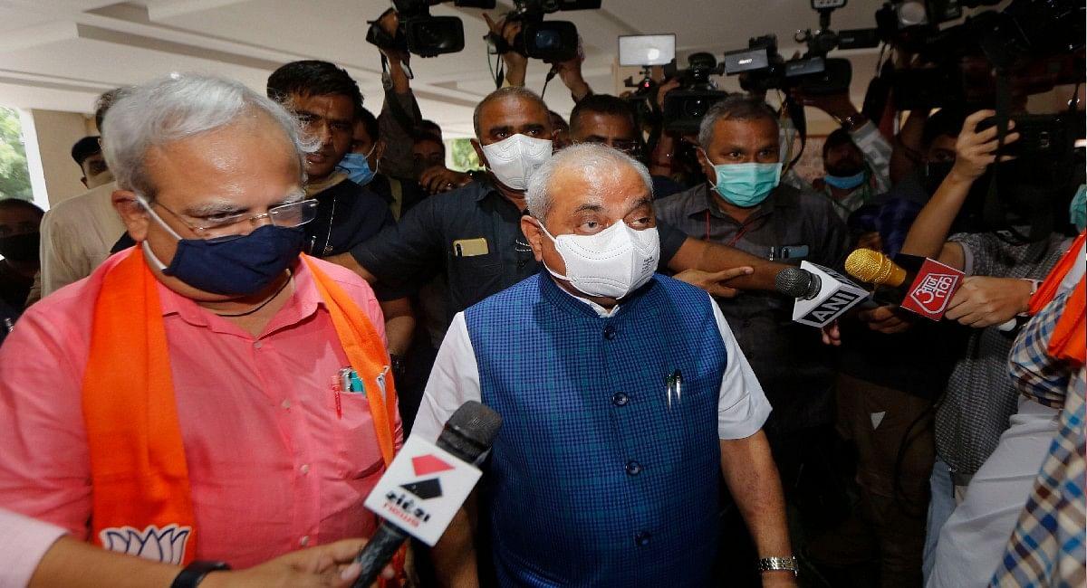 Gujarat Latest Updates : नितिन पटेल की एक ना चली! आंख में आंसू लिए बोले- कोई नाराजगी नहीं